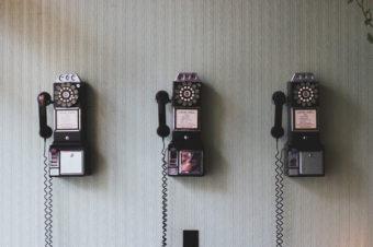 6 książek o komunikacji, które zmieniają myślenie